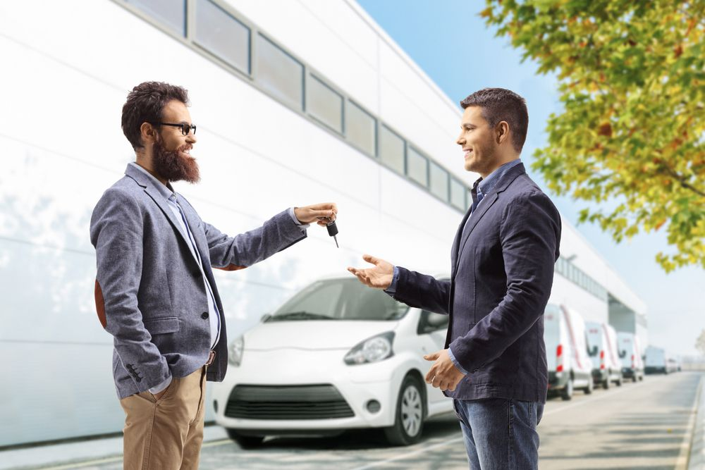 car dealerships vs. locksmiths